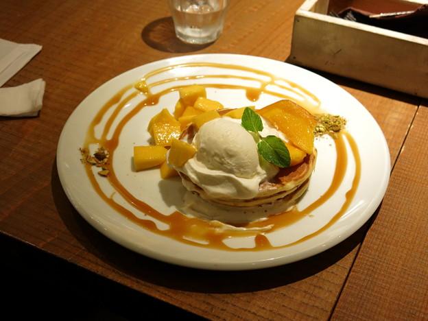 2種の完熟マンゴーパンケーキ