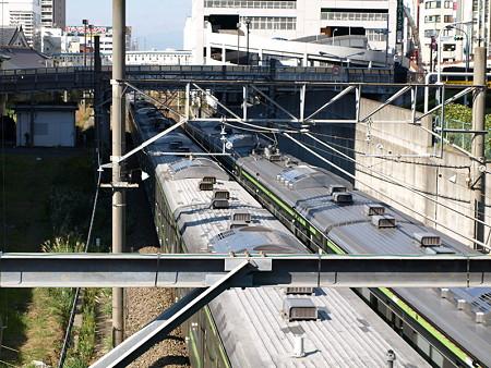 横浜線205系(天満宮の橋)