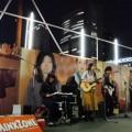 写真: MINX ZONE 新宿南口路上ライブ