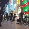 写真: Z旗 新宿南口路上ゲリラライブ 02
