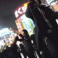 写真: Z旗 新宿アルタ前 路上ゲリラライブ