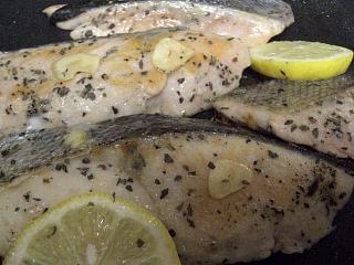 秋鮭のオリーブオイル・バジル焼き