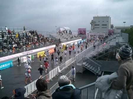 東京マラソン当日ゴール地点 ビックサイト CIMG1647