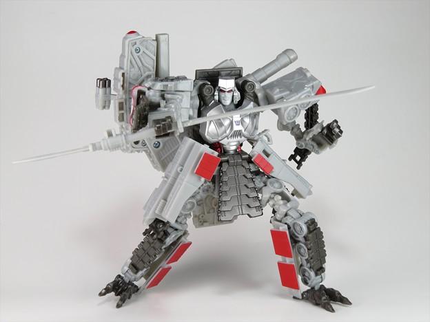 TFC-D01メガトロン16