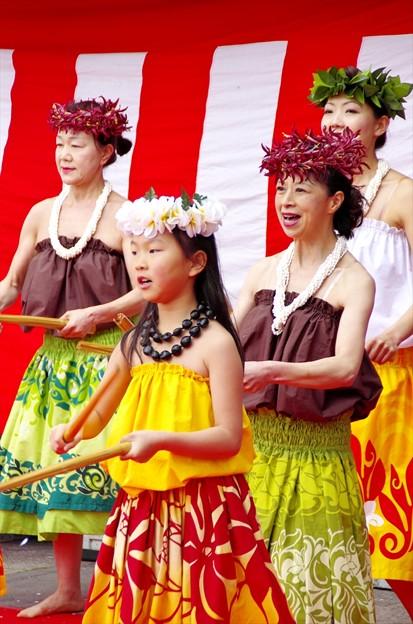 津久井湖さくら祭り13「衣装が綺麗(^^♪」