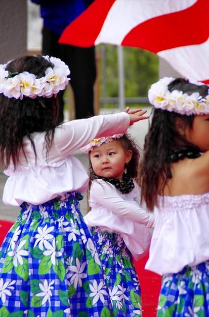 津久井湖さくら祭り12「お母さん、見てるぅ?」