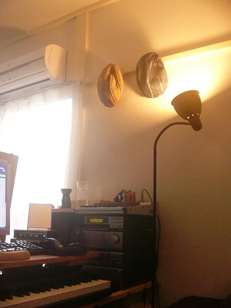 写真: 模様替え「テーブルランプ兼間接照明」2