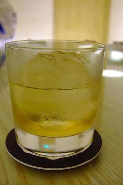 写真: マッカランと丸氷