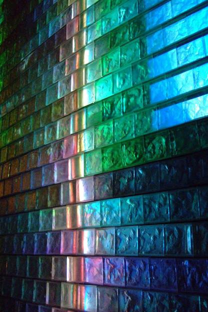 写真: 瑠璃の壁