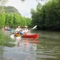 写真: カヤックで川下り