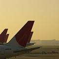 写真: 空港の朝