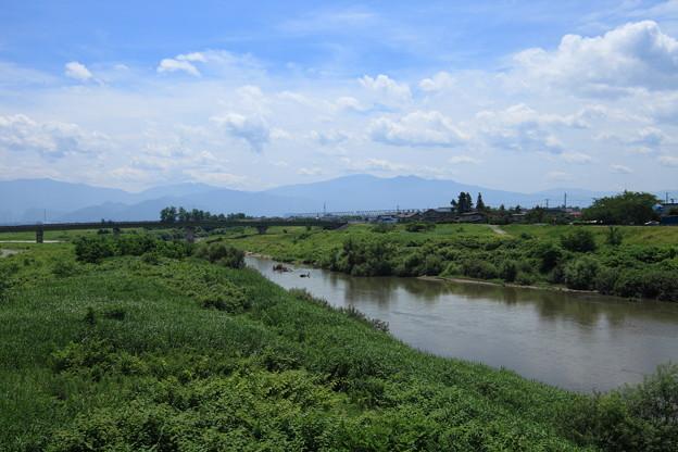 水管橋より須川を望む