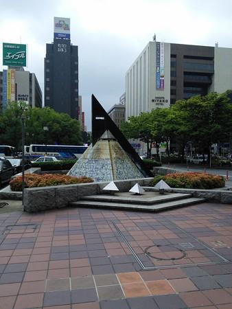 03_博多駅筑紫口の博多祇園山笠のオブジェ140624