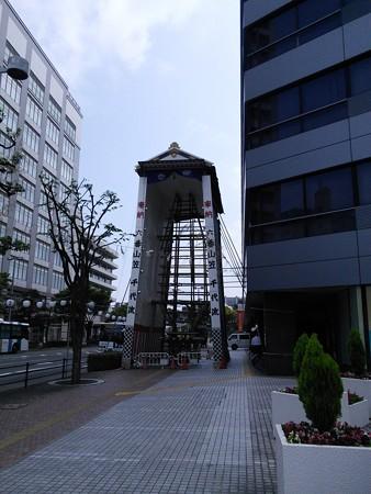 06_千代県庁口のまだ建設中の飾り山140624