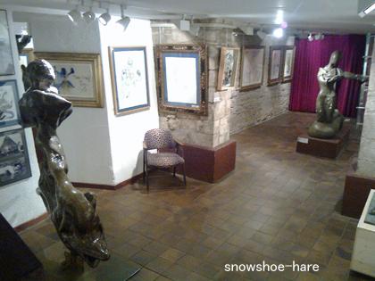 美術館地下展示室
