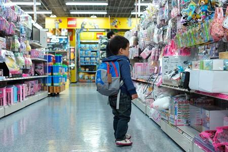 2014.04.18 横浜 家電量販店 おもちゃ売り場 立ち尽くす王子
