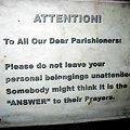 マラテ教会内の注意書き