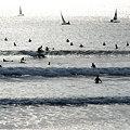 Photos: 波を待つ人。