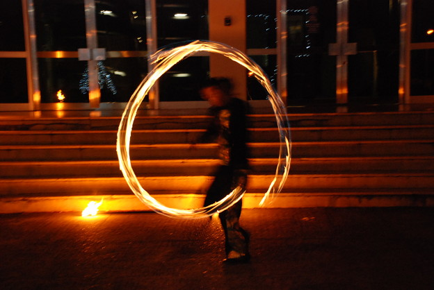 Photos: zzzz,シアター前のファイヤーダンス