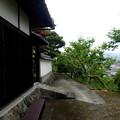 Photos: 古道と白壁の家・1