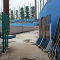 Photos: 野球場の脇を通る