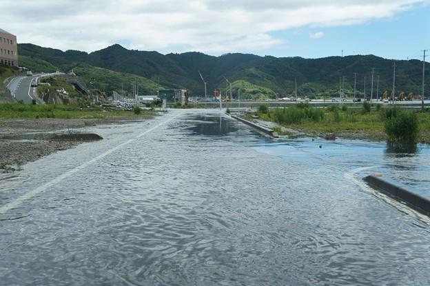 台風で浸水した女川町中心部(震災による地盤沈下)_120620_03