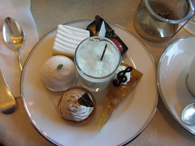 アフタヌーンティのケーキ