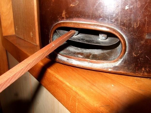 燗銅壺 吸気調整 灰取りも兼ねるアイデア