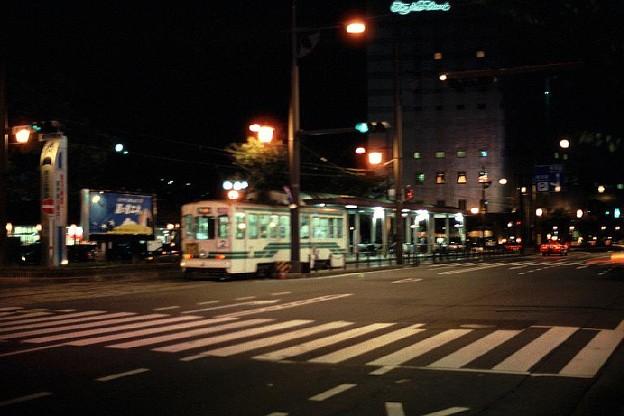 停車中の路面電車(熊本駅前,熊本市交通局)(s108-9)