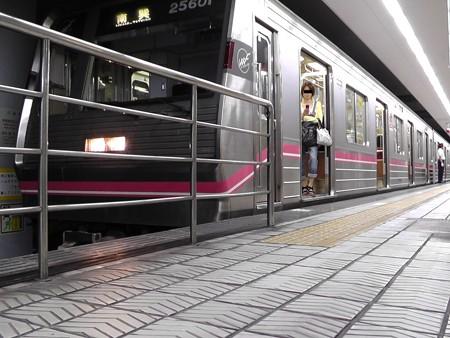 野田阪神駅の写真9