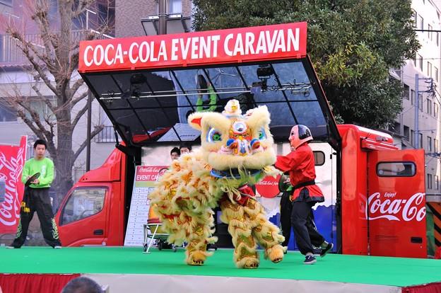 この日最初の中国獅子舞?・・20140202