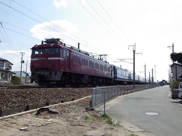『奥羽本線下り』EF81‐137牽引24系 天理臨